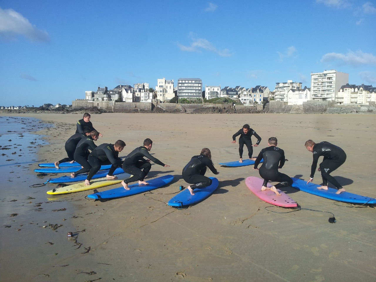 Surf, Slackline, Volley, Foot, Palets… des activités tous azimuts pour les lycéens